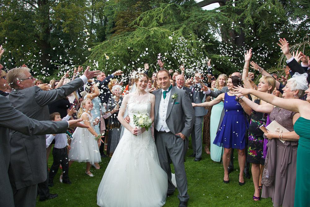 Newbury_Manor_Hotel_Wedding_Photographer_Newbury_Berkshire_025.jpg