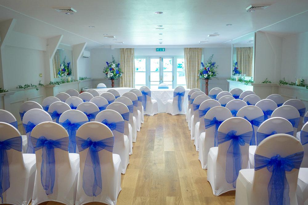 Newbury_Manor_Hotel_Wedding_Photographer_Newbury_Berkshire_041.jpg