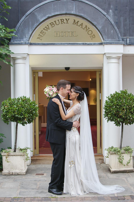 Newbury_Manor_Hotel_Wedding_Photographer_Newbury_Berkshire_044.jpg