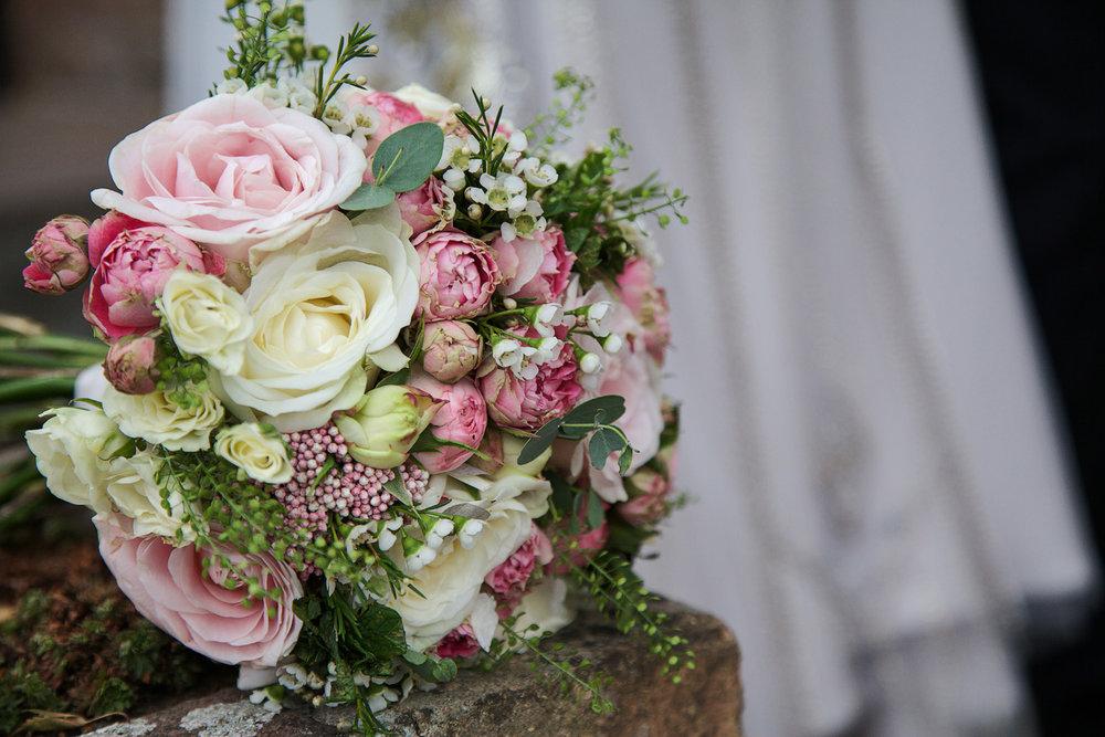 Newbury_Manor_Hotel_Wedding_Photographer_Newbury_Berkshire_047.jpg