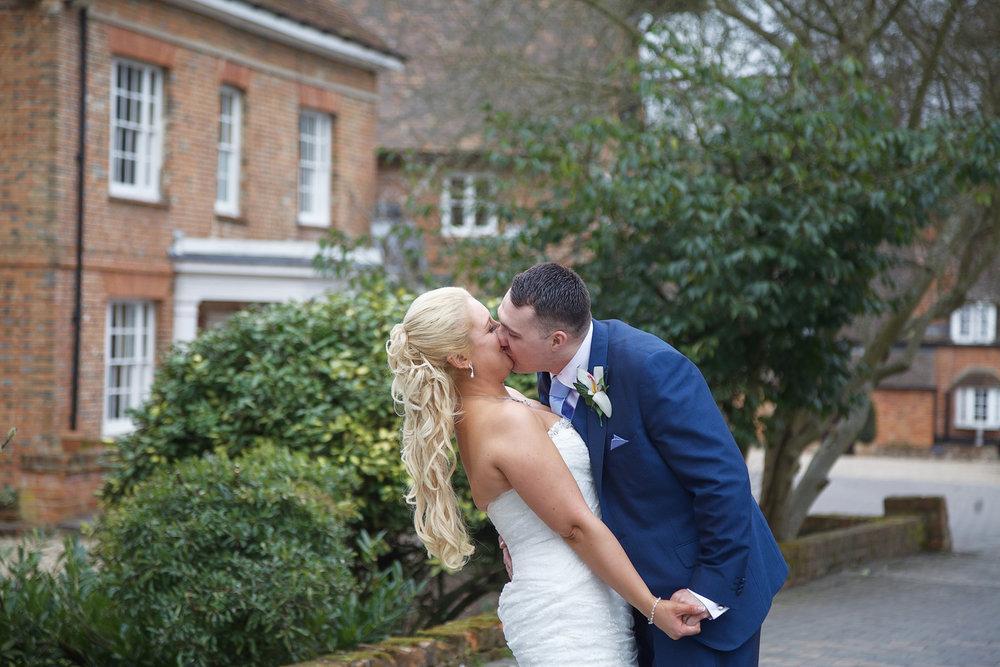 Newbury_Manor_Hotel_Wedding_Photographer_Newbury_Berkshire_049.jpg