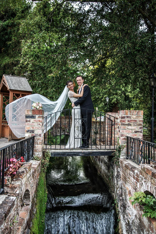 Newbury_Manor_Hotel_Wedding_Photographer_Newbury_Berkshire_048.jpg