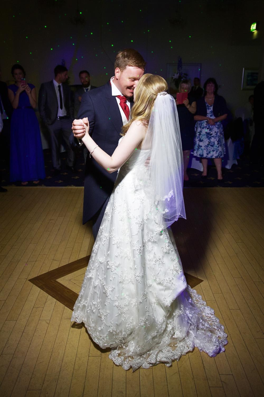 Newbury_Manor_Hotel_Wedding_Photographer_Newbury_Berkshire_054.jpg