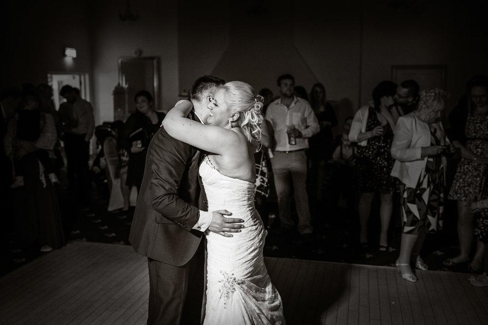Newbury_Manor_Hotel_Wedding_Photographer_Newbury_Berkshire_063.jpg