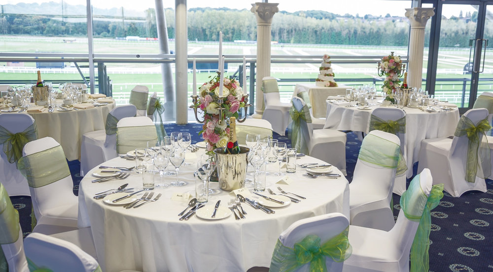 Newbury_Racecourse_Wedding_Photographer_Newbury_Berkshrie_035.jpg
