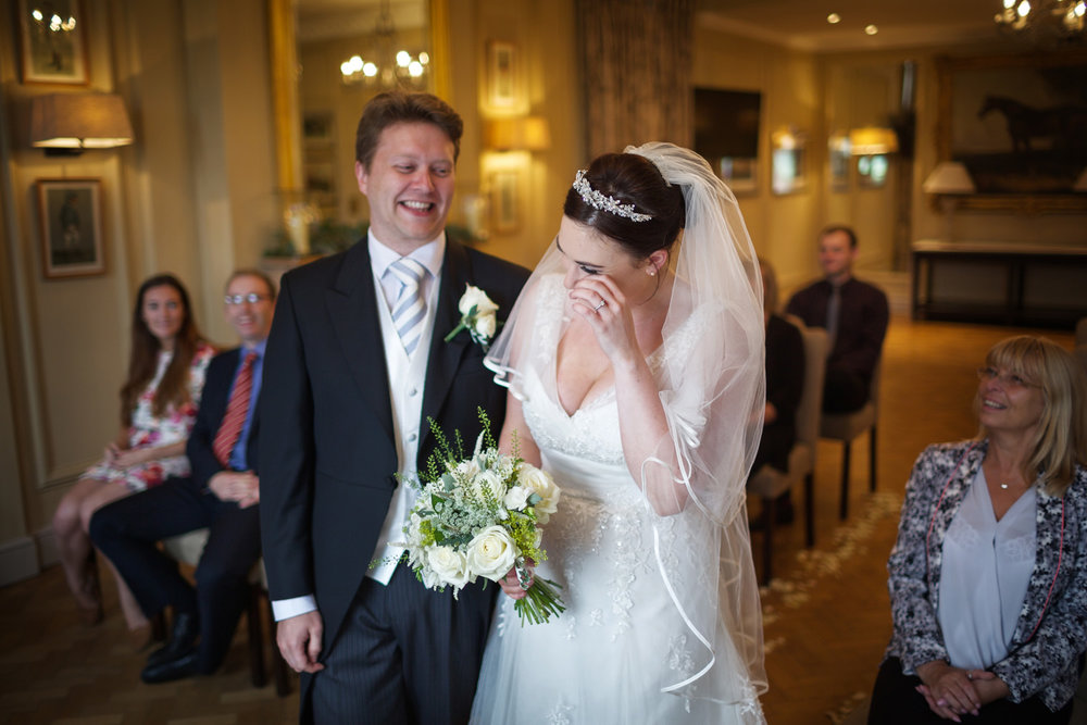 Newbury_Racecourse_Wedding_Photographer_Newbury_Berkshrie_040.jpg