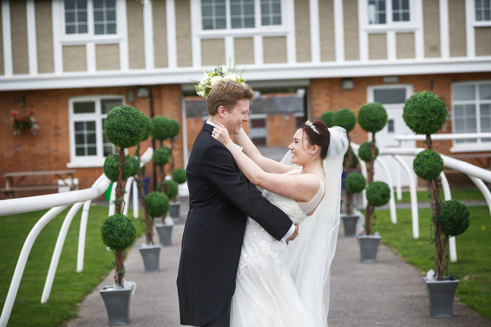 Newbury_Racecourse_Wedding_Photographer_Newbury_Berkshrie_044.jpg