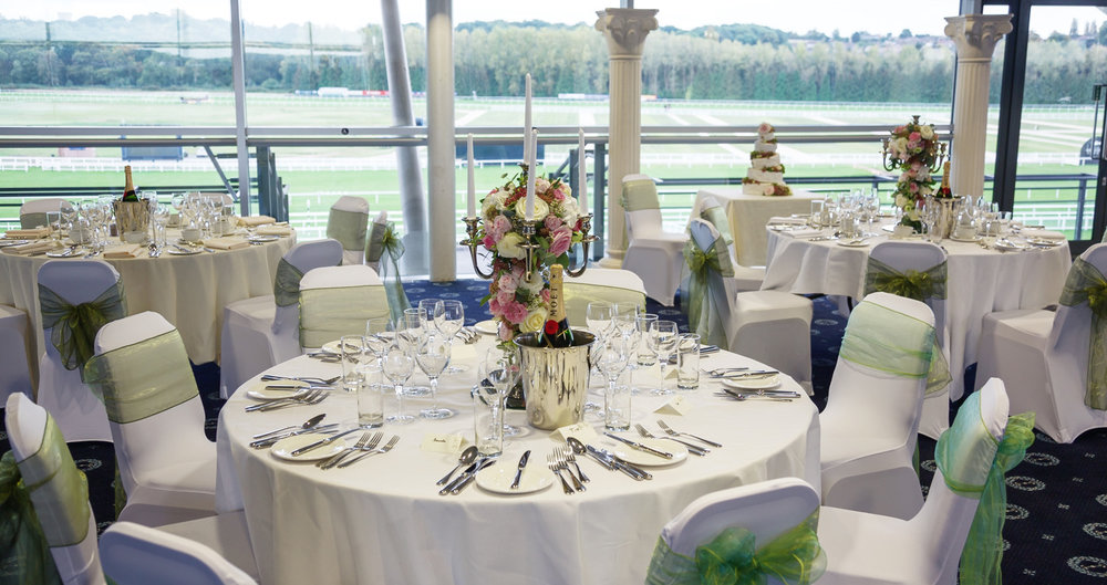 Newbury_Racecourse_Wedding_Photographer_Newbury_Berkshrie_050.jpg