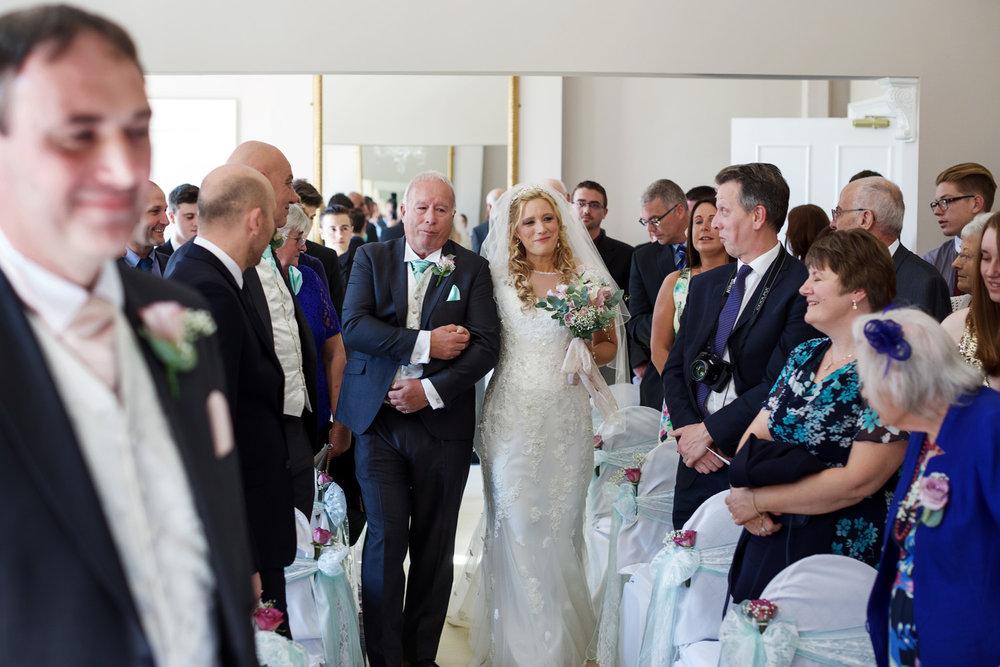 Oakley_Hall_Wedding_Photographer_Basingstoke_Hampshire_010.jpg