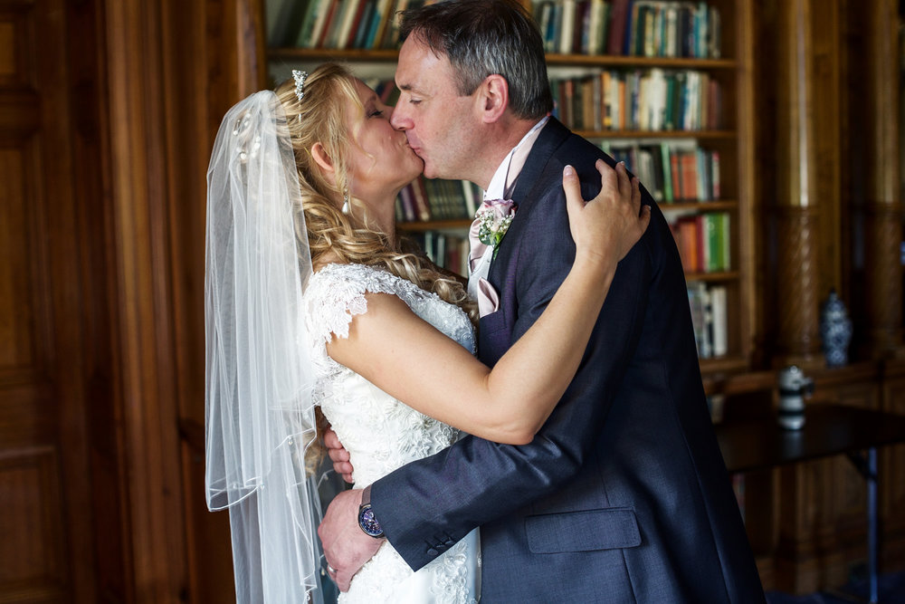 Oakley_Hall_Wedding_Photographer_Basingstoke_Hampshire_015.jpg