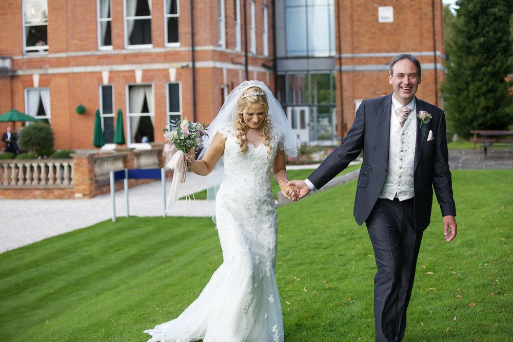 Oakley_Hall_Wedding_Photographer_Basingstoke_Hampshire_017.jpg