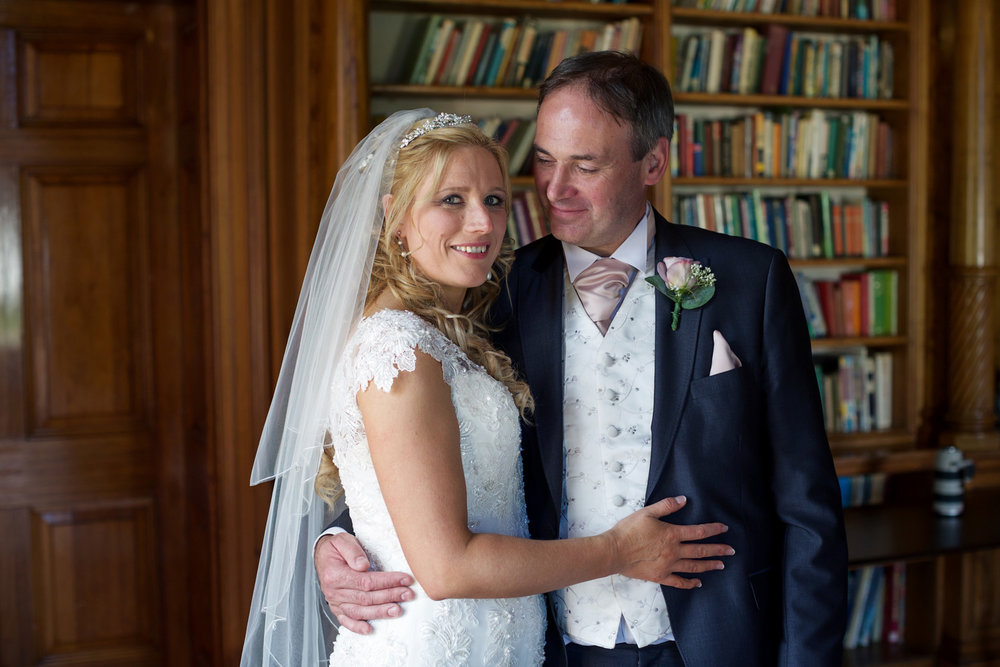 Oakley_Hall_Wedding_Photographer_Basingstoke_Hampshire_016.jpg
