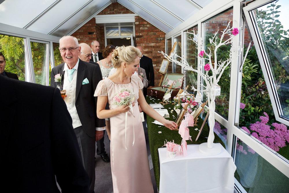 Oakley_Hall_Wedding_Photographer_Basingstoke_Hampshire_021.jpg