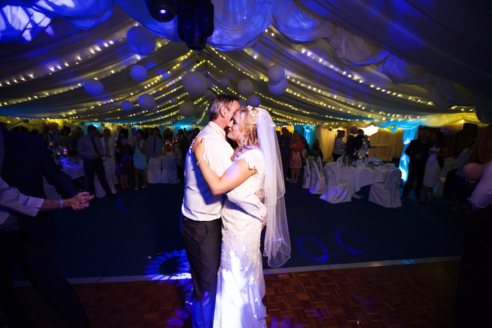 Oakley_Hall_Wedding_Photographer_Basingstoke_Hampshire_025.jpg