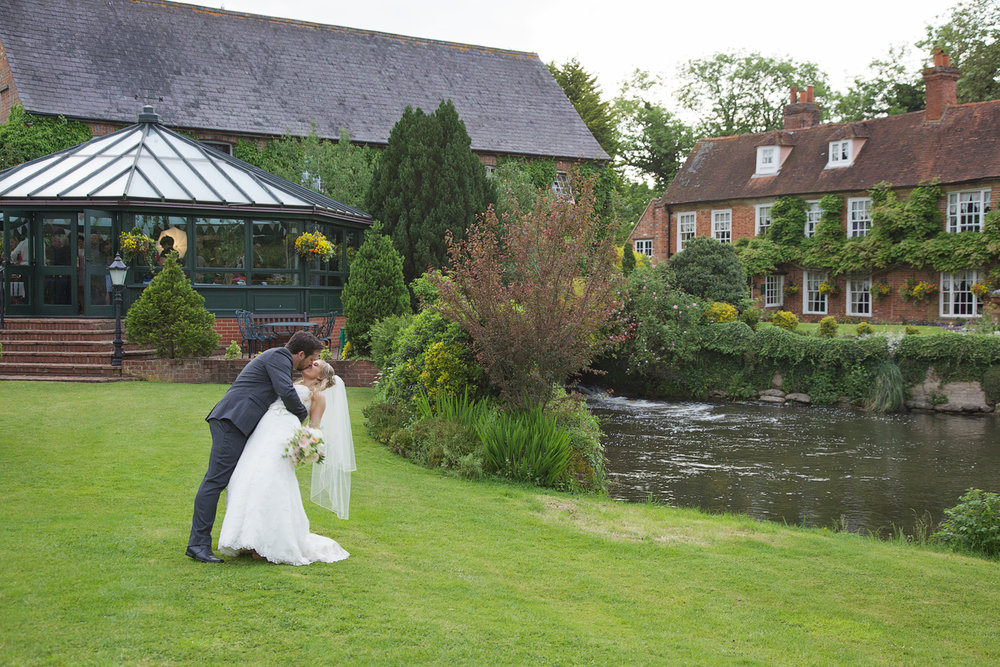 The_Old_Mill_Wedding_Photographer_Aldermaston_020.jpg
