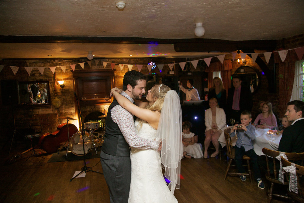 The_Old_Mill_Wedding_Photographer_Aldermaston_023.jpg
