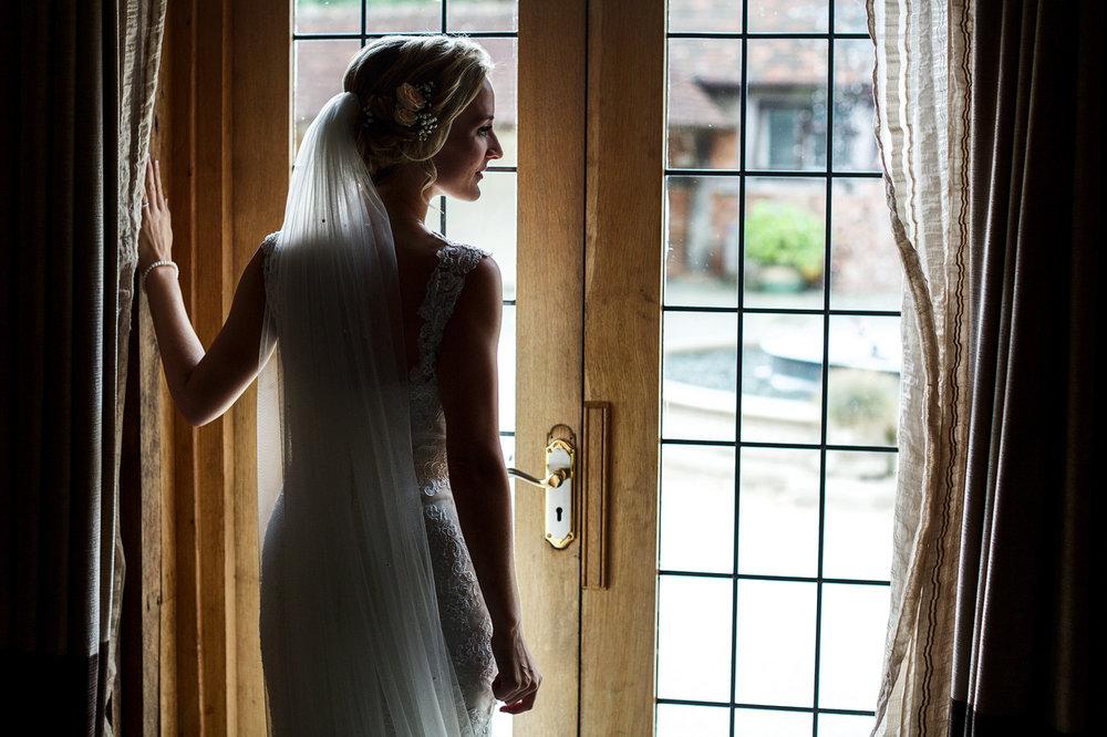 Rivervale_Barn_Wedding_Photographer_Yateley_008.jpg