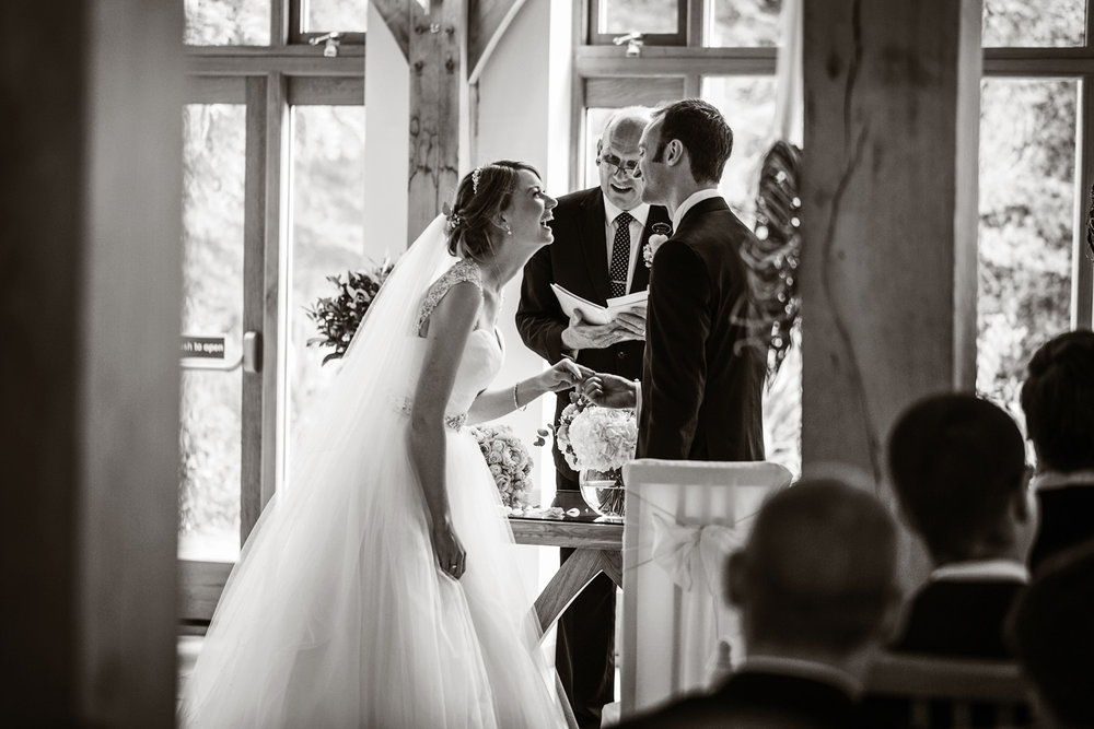 Rivervale_Barn_Wedding_Photographer_Yateley_012.jpg