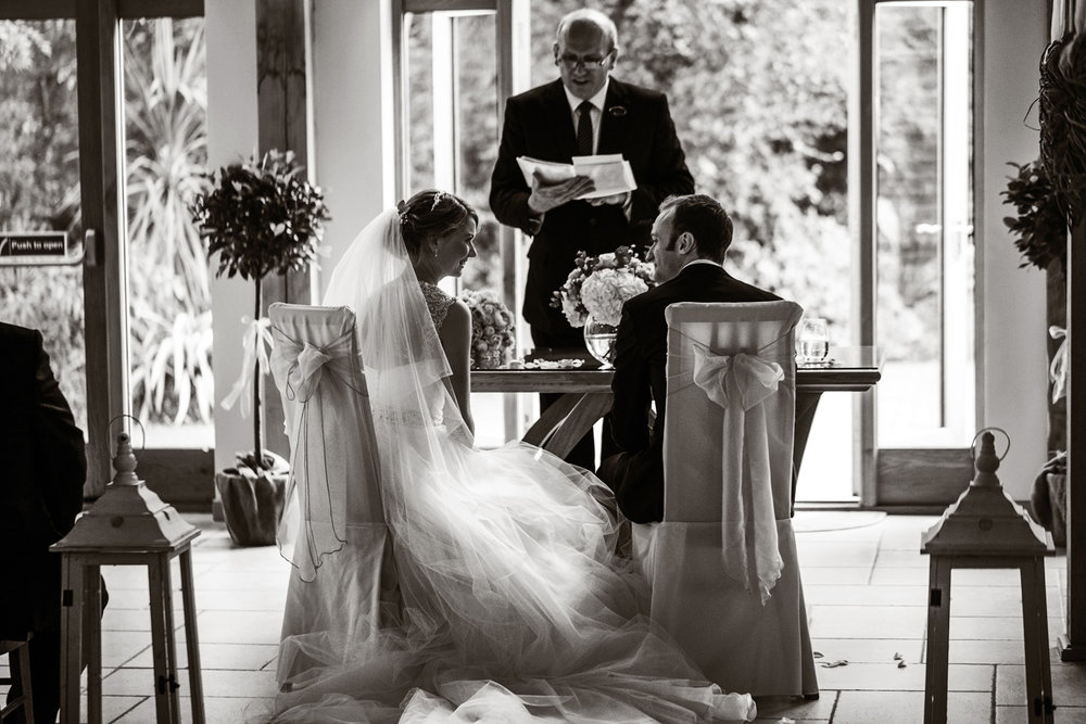 Rivervale_Barn_Wedding_Photographer_Yateley_014.jpg
