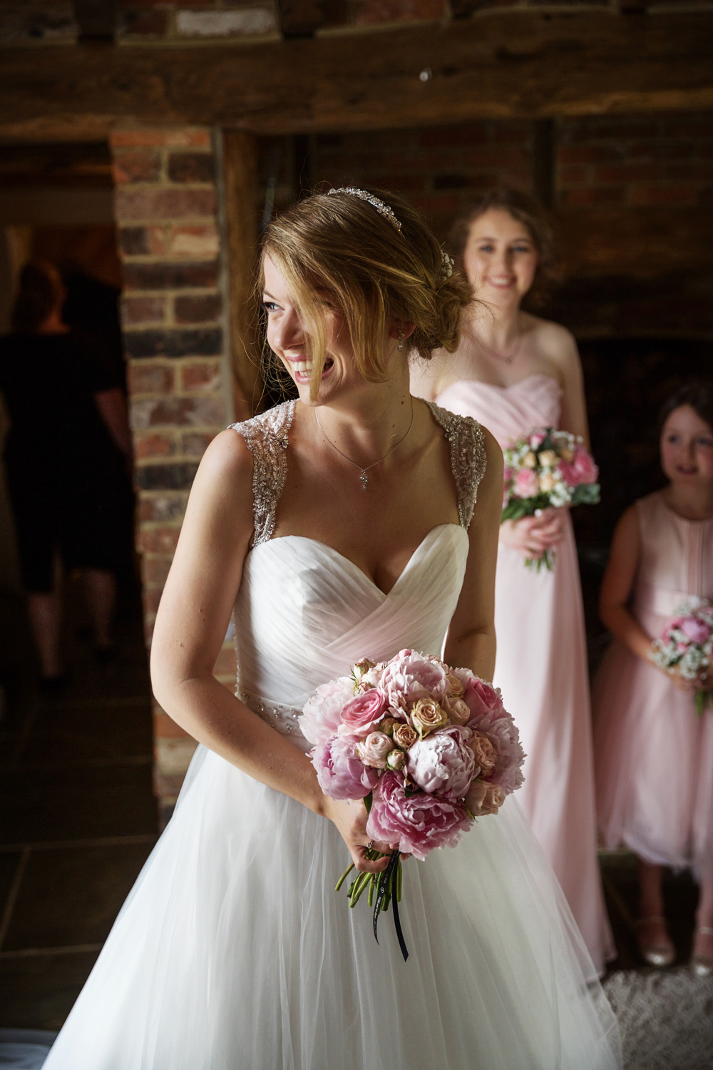 Rivervale_Barn_Wedding_Photographer_Yateley_043.jpg