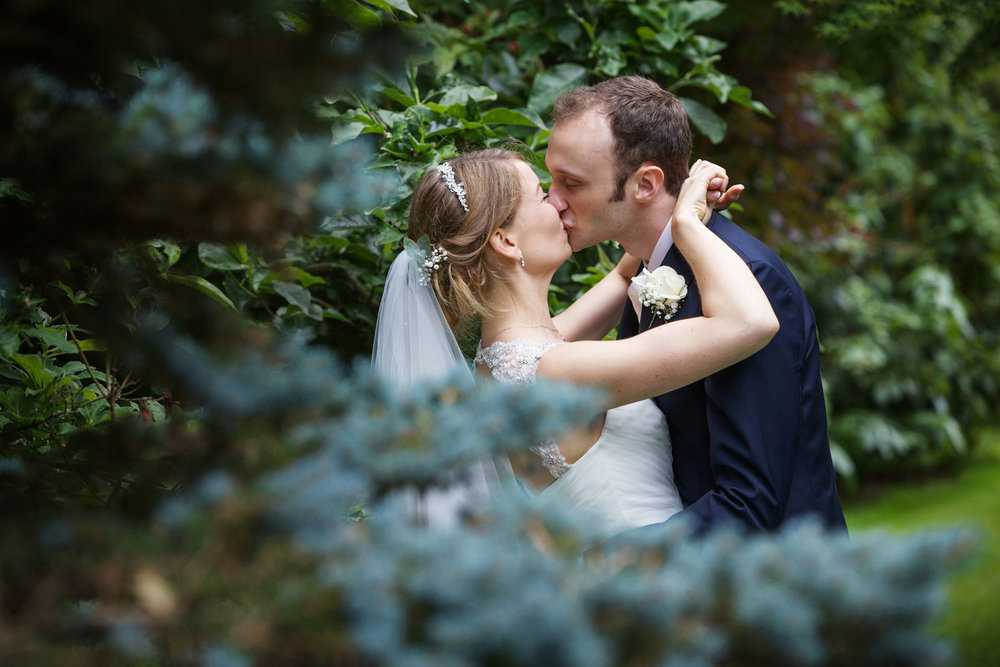 Rivervale_Barn_Wedding_Photographer_Yateley_054.jpg