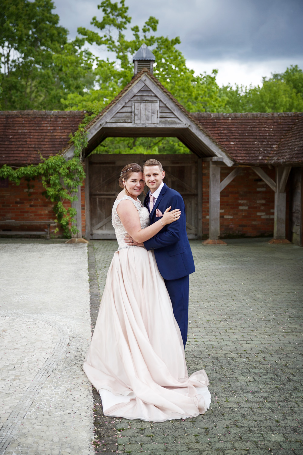 Rivervale_Barn_Wedding_Photographer_Yateley_087.jpg