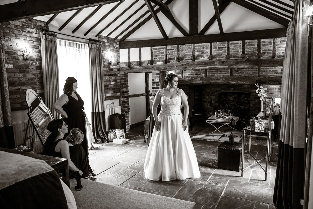 Rivervale_Barn_Wedding_Photographer_Yateley_089.jpg