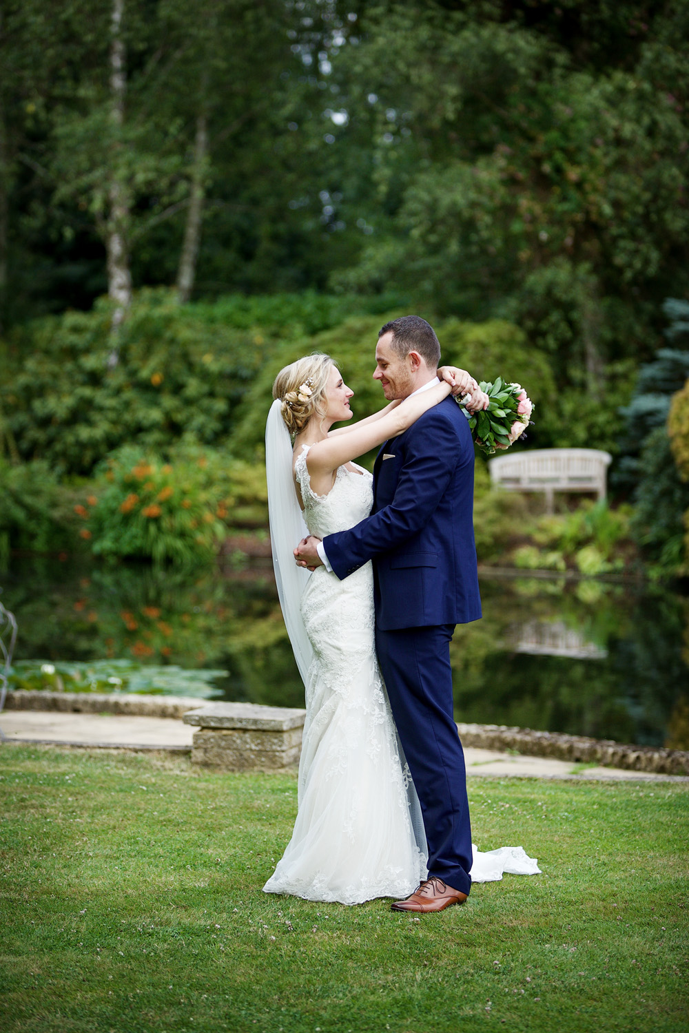 Rivervale_Barn_Wedding_Photographer_Yateley_127.jpg