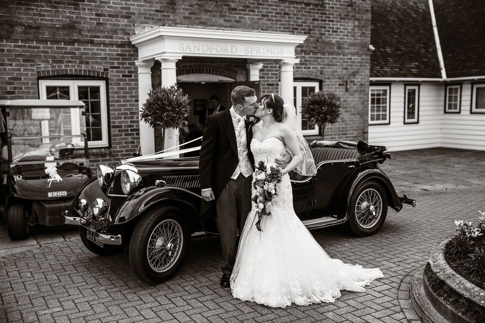 Sandford_Springs_Wedding_Photographer_Newbury_007.jpg