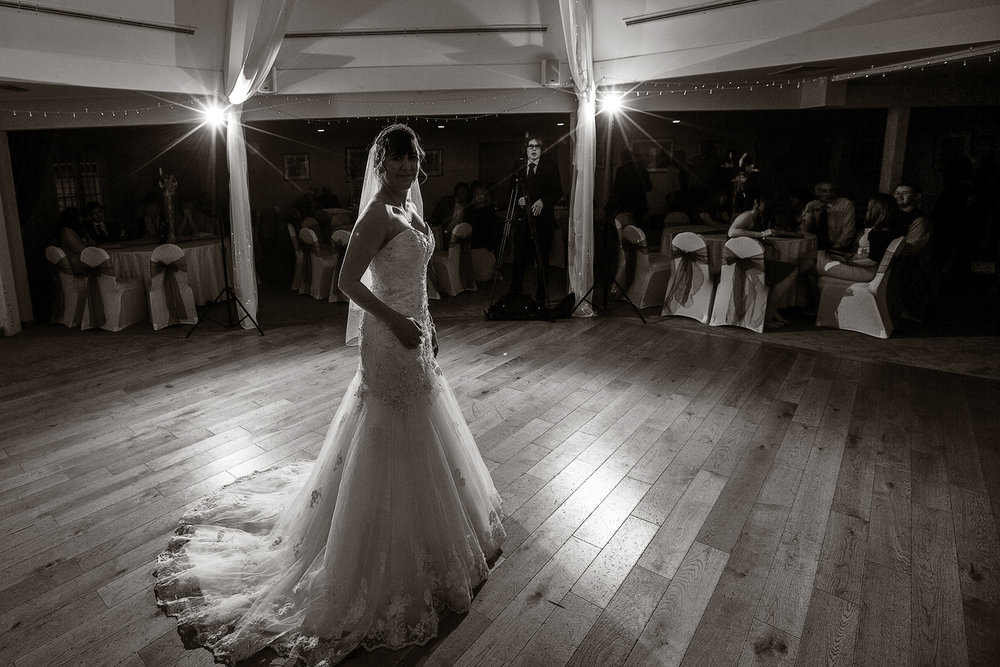 Sandford_Springs_Wedding_Photographer_Newbury_039.jpg