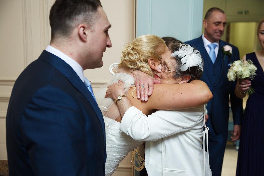 Shaw_House_Wedding_Photographer_Newbury_Berkshire_033.jpg