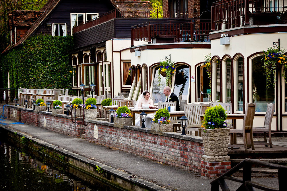 Swan_At_Streatley_Wedding_Photographer_Reading_004.jpg