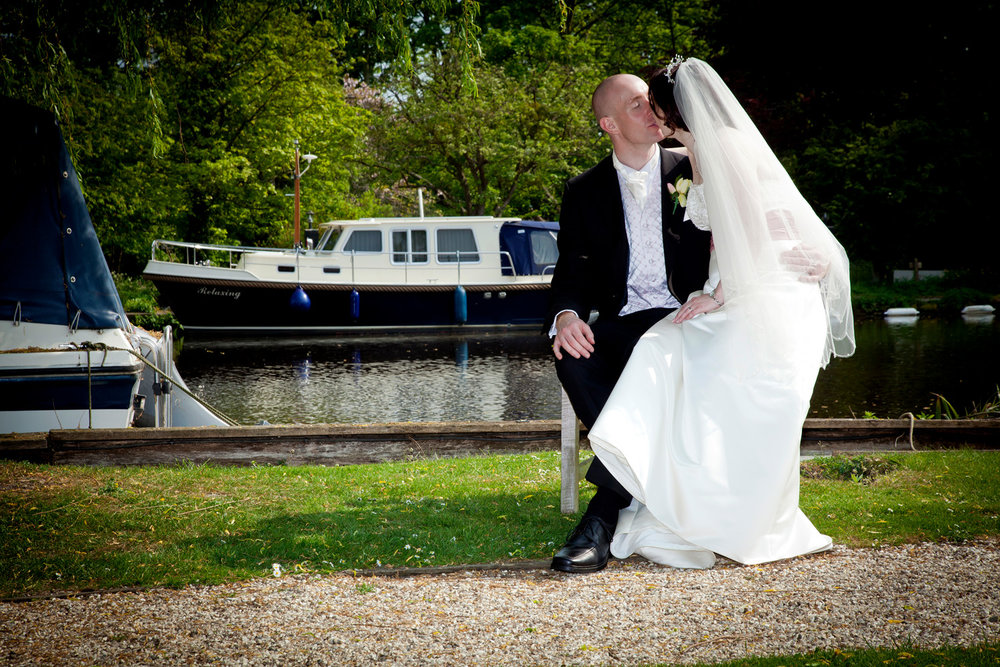 Swan_At_Streatley_Wedding_Photographer_Reading_007.jpg