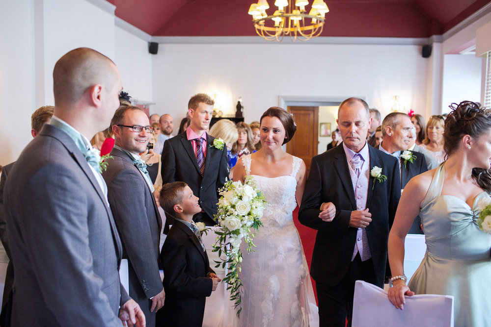 The_Elephant_Wedding_Photographer_Pangbourne_007.jpg