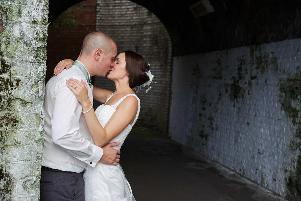 The_Elephant_Wedding_Photographer_Pangbourne_015.jpg