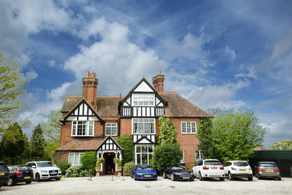 Trunkwell House Hotel Reading Berkshire Wedding Photographer