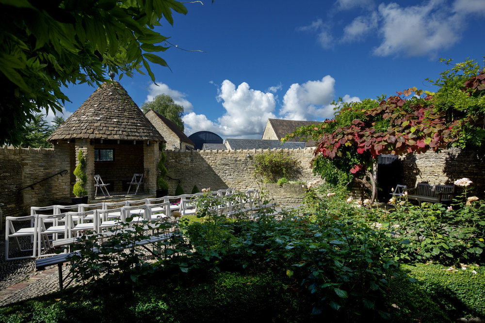 Winkworth Farm Cotswolds wedding Photographer