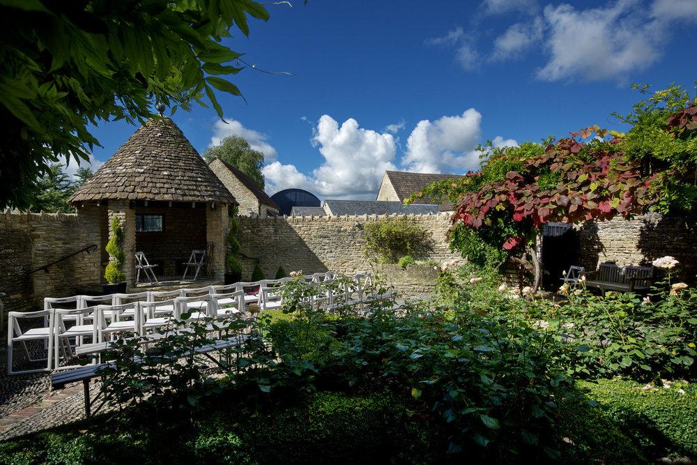 Winkworth Farm Cotswolds wedding Photographer