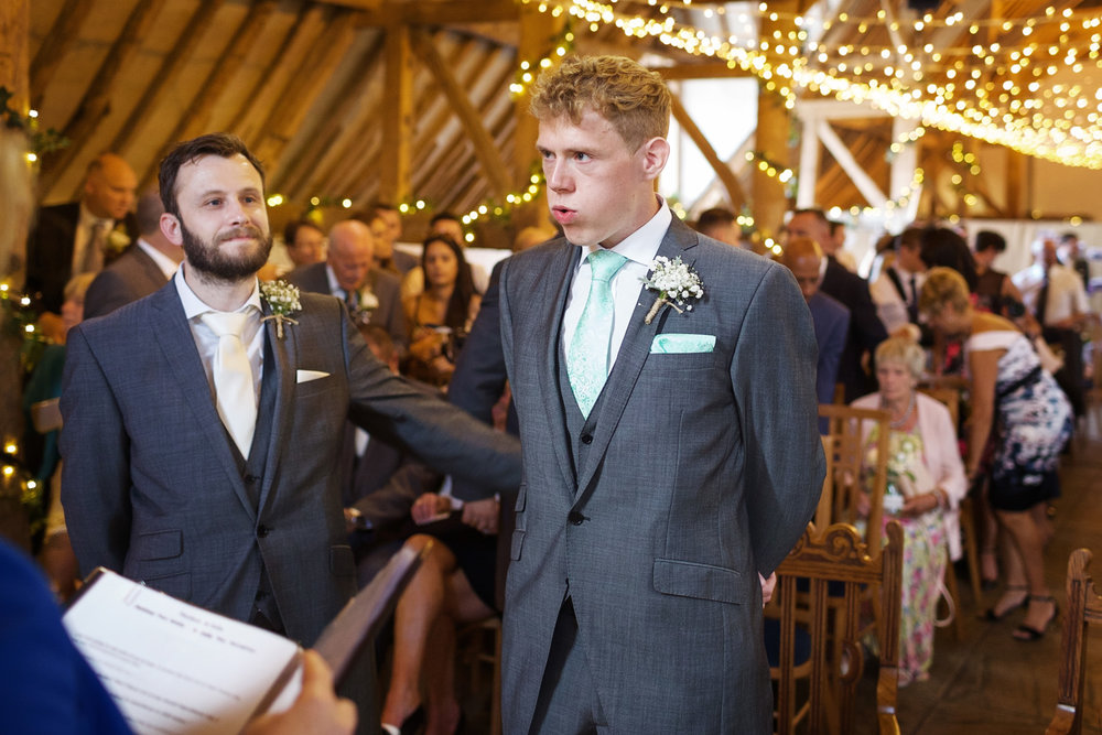 Ufton_Court_Barn_Wedding_Photographer_Reading_Berkshire_029.jpg
