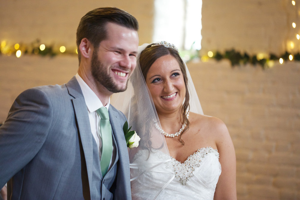 Ufton_Court_Barn_Wedding_Photographer_Reading_Berkshire_031.jpg