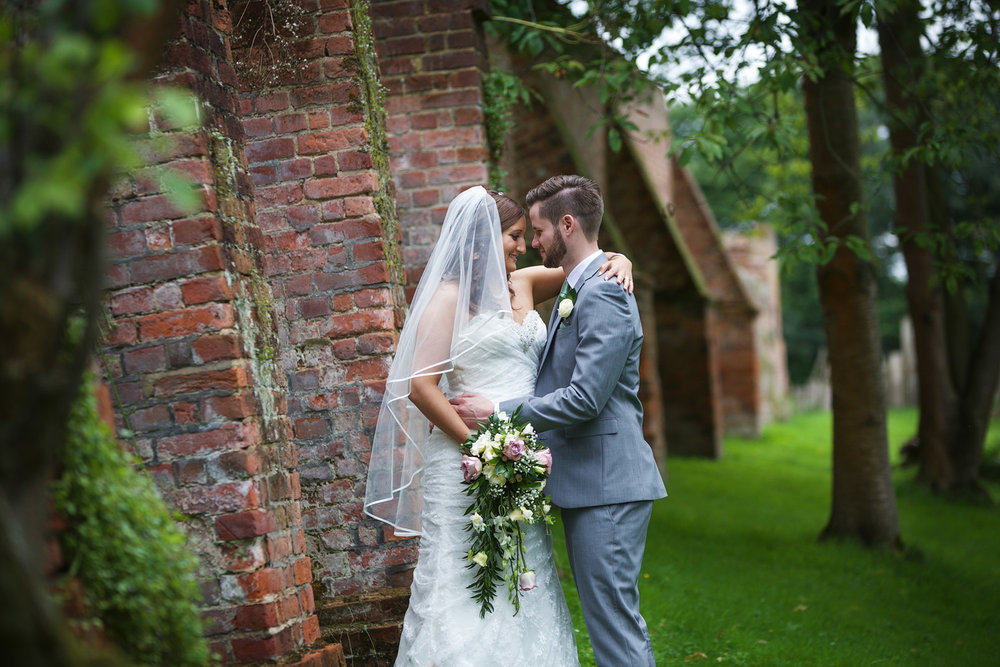 Ufton_Court_Barn_Wedding_Photographer_Reading_Berkshire_058.jpg