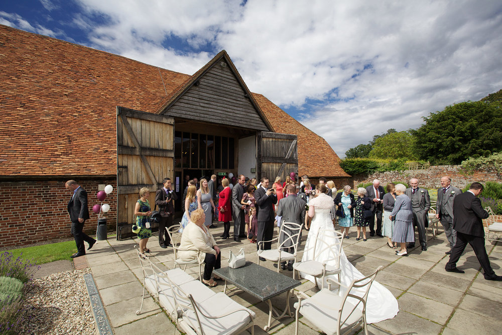 Ufton_Court_Barn_Wedding_Photographer_Reading_Berkshire_059.jpg