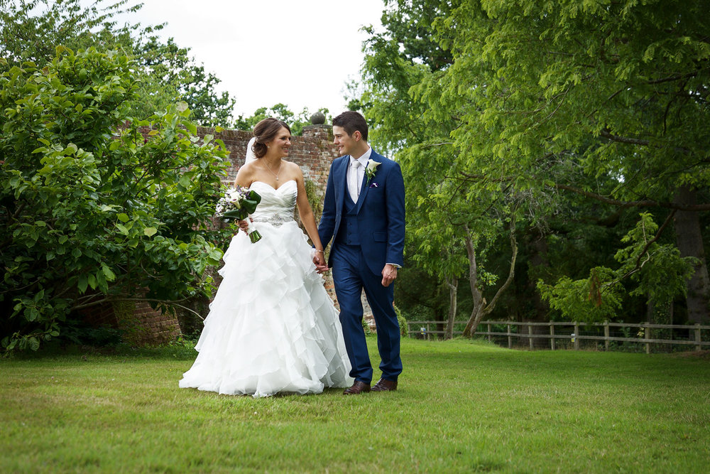 Ufton_Court_Barn_Wedding_Photographer_Reading_Berkshire_075.jpg