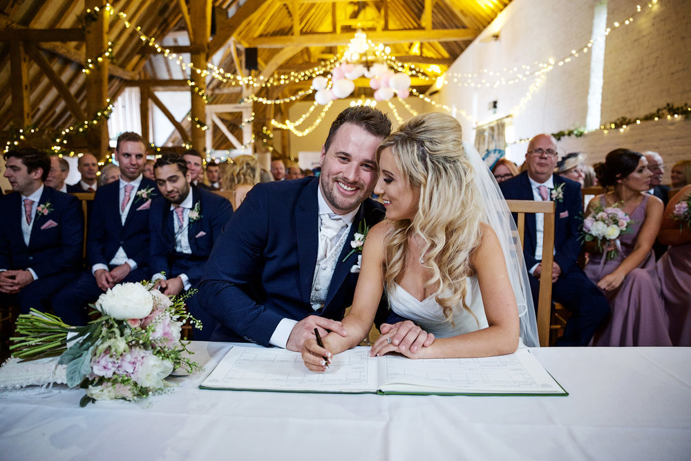 Ufton_Court_Barn_Wedding_Photographer_Reading_Berkshire_076.jpg