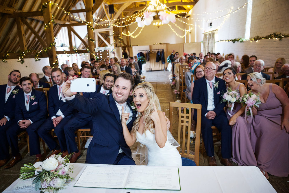 Ufton_Court_Barn_Wedding_Photographer_Reading_Berkshire_081.jpg