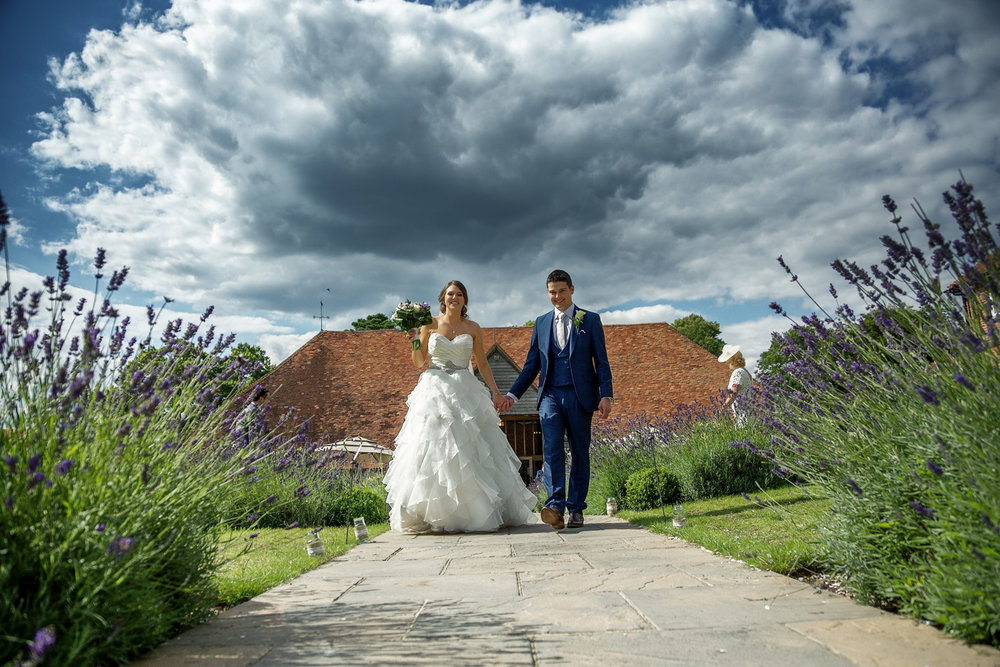 Ufton_Court_Barn_Wedding_Photographer_Reading_Berkshire_085.jpg