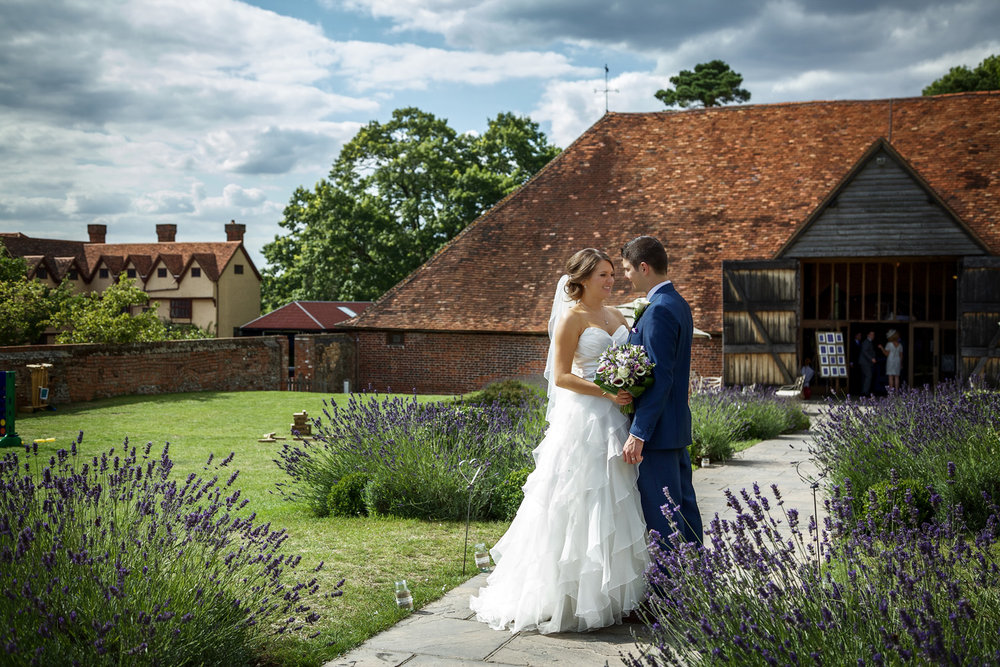 Ufton_Court_Barn_Wedding_Photographer_Reading_Berkshire_087.jpg