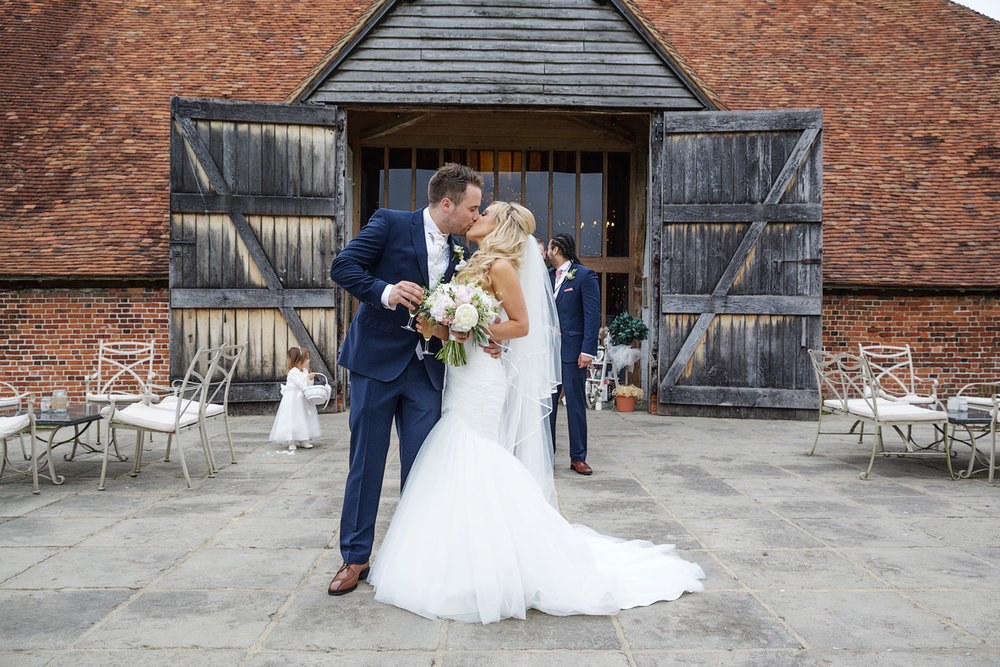 Ufton_Court_Barn_Wedding_Photographer_Reading_Berkshire_091.jpg