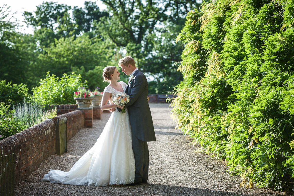 Ufton_Court_Barn_Wedding_Photographer_Reading_Berkshire_113.jpg