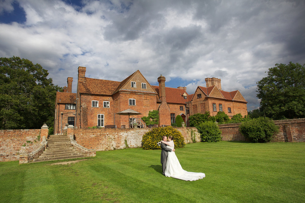 Ufton_Court_Barn_Wedding_Photographer_Reading_Berkshire_116.jpg